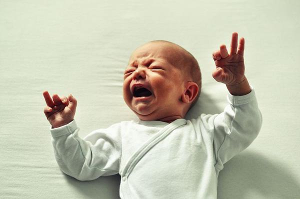 co pomaga na kolkę u niemowlaka